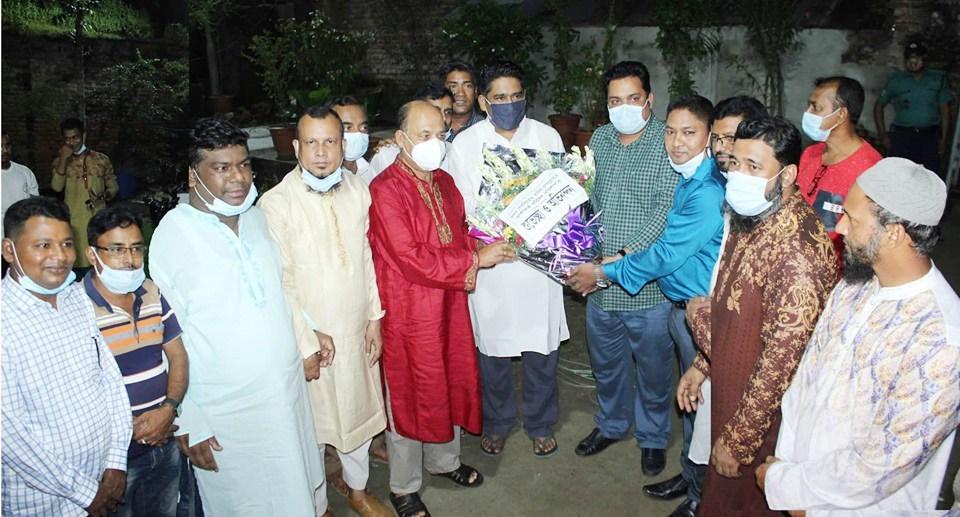 বিসিসি মেয়র সেরনিয়াবাত সাদিক আব্দুল্লাহ'র সাথে সম্পাদক পরিষদের শুভেচ্ছা বিনিময়