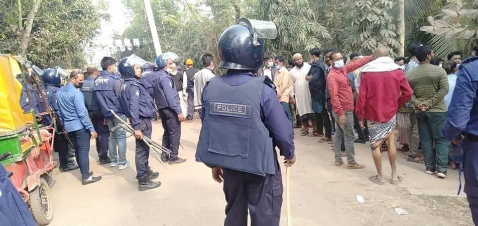 পৌর নির্বাচন: বরগুনার পাথরঘাটায় ওসিসহ আহত ২০