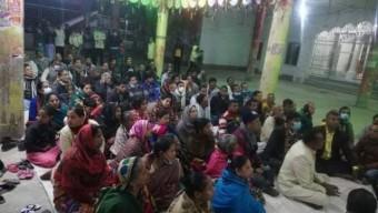 গলাচিপায় মনিন্দ্র চন্দ্র পালের রোগ মুক্তি কামনায় মন্দিরে বিশেষ প্রার্থনা