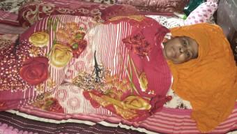 পটুয়াখালীতে মাকে বাঁচাতে মেয়ের আকুতি