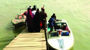 লাহারহাটে প্রশাসনের চোঁখের সামনেই চলছে অবৈধ স্পিডবোট