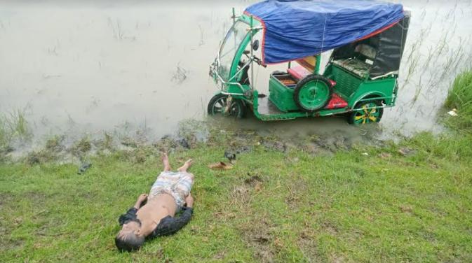 কলাপাড়ায় নিয়ন্ত্রণ হারিয়ে খাদে পড়ে ইজিবাইক চালকের মৃত্যু