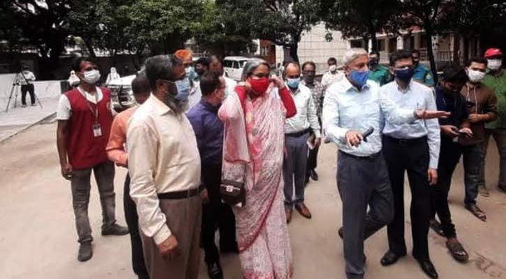 ক্লাসরুমে ময়লা : শিক্ষা কর্মকর্তা ও অধ্যক্ষ বরখাস্ত