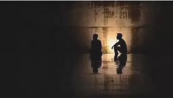 প্রেমিকার সঙ্গে দেখা করতে গ্রামের বিদ্যুৎ বিচ্ছিন্ন করল প্রেমিক