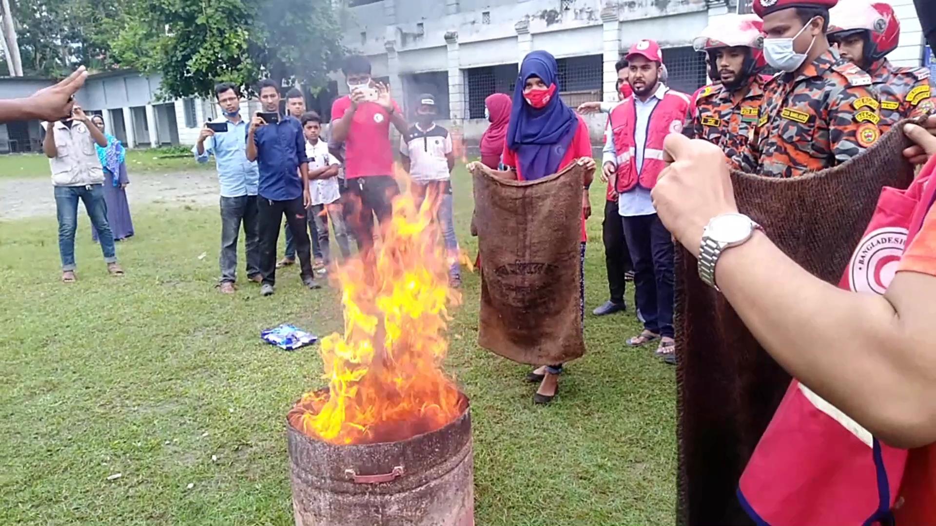 পিরোজপুরে আন্তর্জাতিক দুর্যোগ প্রশমন দিবস ও মহড়া অনুষ্ঠিত